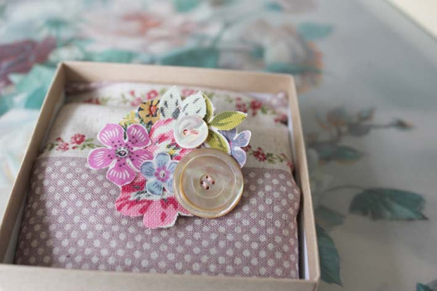 Pocketful of Dreams, Wedding Blog, Blogger, Michelle Kelly,Vintage Inspired, Shabby Chic, Wedding, Country Garden, Tea Party, Haberdashery, Stationery, Floral, Fabric, Pretty, Retro table linen (4)