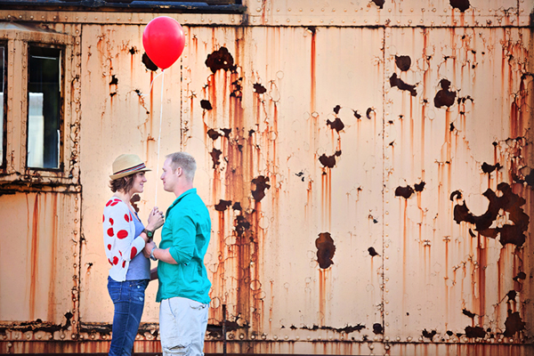 Engagement Shoot, E-Shoot, Couple Shoot, Love Shoot, Couple Photography, Wedding Photography, Urban, Fun, Balloons, Red (6)