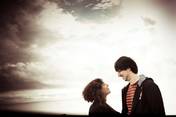 e Shoot, Engagement Shoot, Lizzy May Photography, Wales Photography, Beach Engagement, Couple in Love (4)