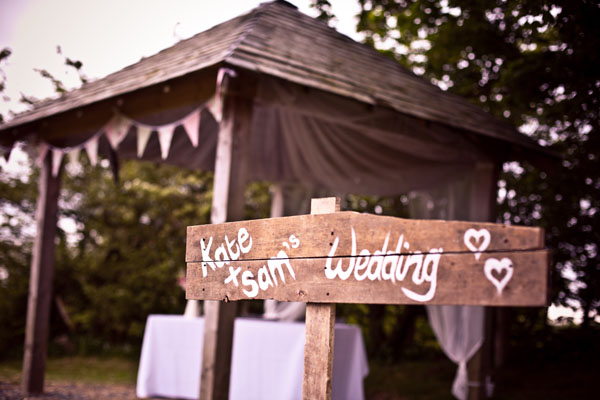 wedding photography, real wedding, barn wedding, outdoor wedding, Cornwall wedding, rustic wedding, vintage wedding, pastel wedding, Lucy Shergold Photography (21)