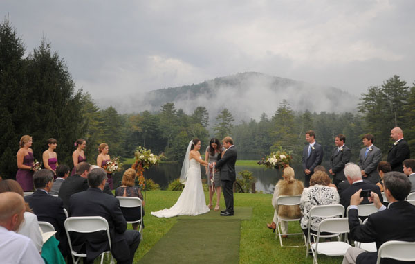 real wedding, wedding photography, mountain wedding, outdoors wedding, wet weather wedding, rustic chic wedding, Whitmeyer Photography (12)