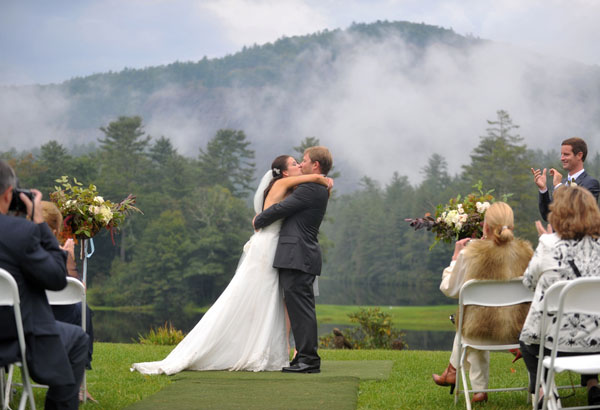real wedding, wedding photography, mountain wedding, outdoors wedding, wet weather wedding, rustic chic wedding, Whitmeyer Photography (11)