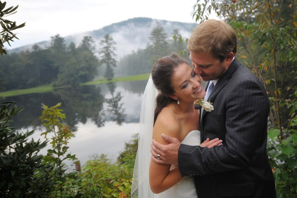 real wedding, wedding photography, mountain wedding, outdoors wedding, wet weather wedding, rustic chic wedding, Whitmeyer Photography (9)
