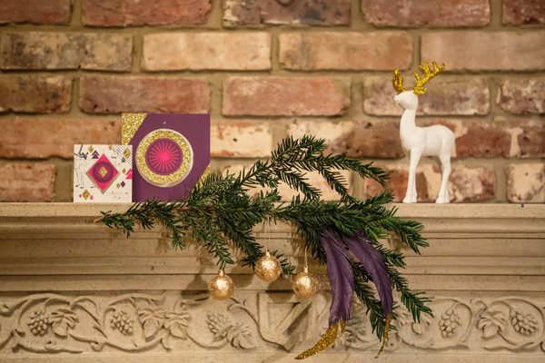 christmas, festive, noel, yuletide, a crafted christmas, rustic, rustic luxe, gold dipped feathers, glitter dipped feathers, mantelpiece, garland, baubles, fir, pine (3)