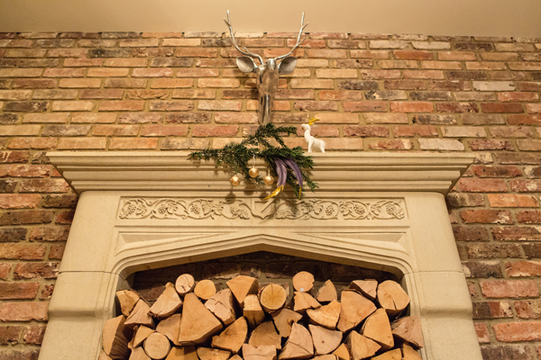 christmas, festive, noel, yuletide, a crafted christmas, rustic, rustic luxe, gold dipped feathers, glitter dipped feathers, mantelpiece, garland, baubles, fir, pine (1)