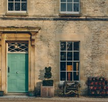 Travel review, hotel review, wedding planner, pub, cotswolds, travel blogger, events venue, wedding venue, the potting shed, the rectory, malmesbury, mr and mrs smith, iescapes