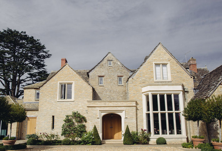 Cotswolds weddings, Cotswolds wedding planner, Cotswolds wedding stylist, Luxury Cotswolds weddings